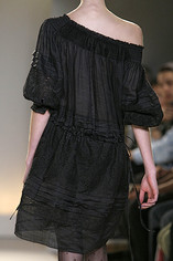 Collette-Dinnigan-Details-spring-fashion-2010-002_show_thumbnail_view
