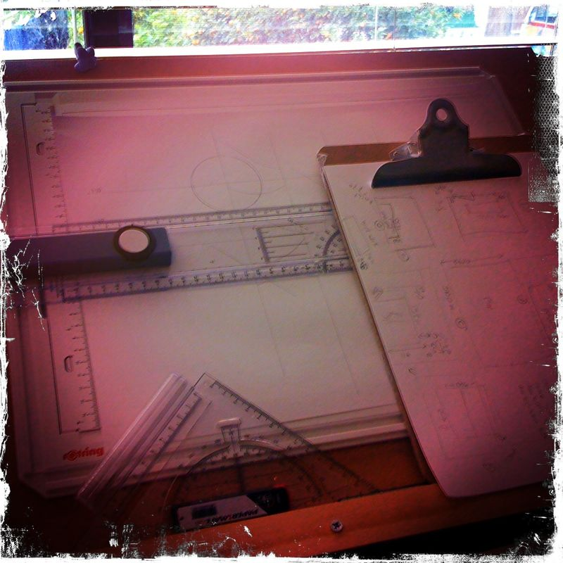 Desk13092010 003