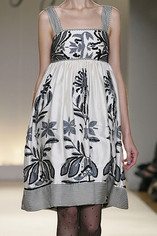 Collette-Dinnigan-Details-spring-fashion-2010-006_show_thumbnail_view