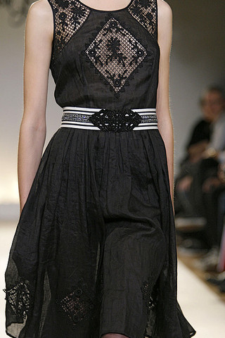 Collette-Dinnigan-Details-spring-fashion-2010-014_runway